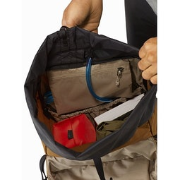 Brize 32 Backpack Yukon Main Compartment