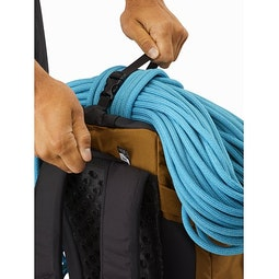 Brize 32 Backpack Yukon Top Strap