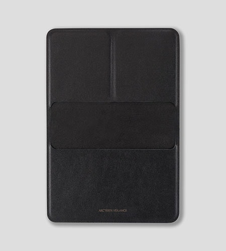 Casing Passport Wallet Black Front