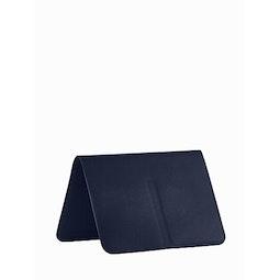 Casing Passport Wallet Dark Navy Folded