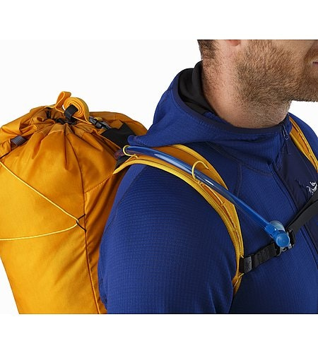 Cierzo 18 Backpack Madras Hydration Port
