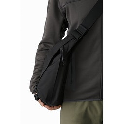 Courier Bag 15 Black Side View