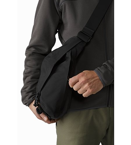 Courier Bag 15 Black Side Zipper