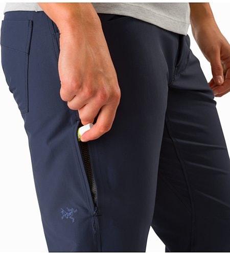 Creston Capri Women's Black Sapphire External Pocket Back