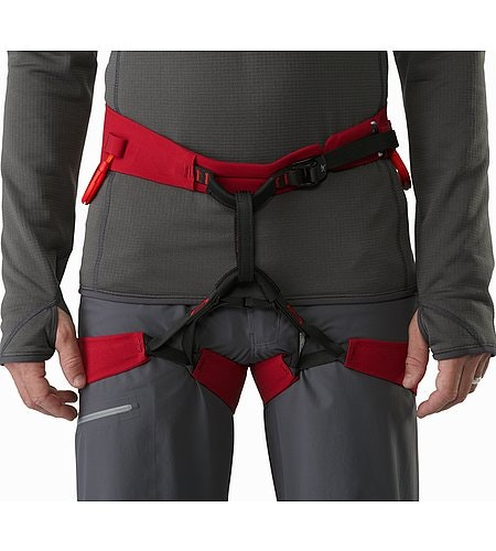 FL-365 Harness Red Beach Flare Vorderansicht Detail