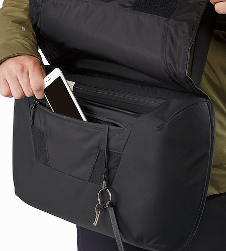 Fyx 13 Messenger Bag Black Front Security Pocket