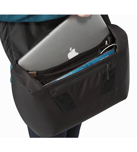 Fyx 9 Messenger Bag Black Laptop Pocket