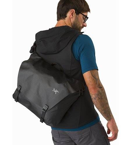 Granville 16 Courier Bag Black Back View