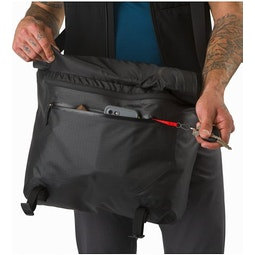 Granville 16 Courier Bag Black Front Pocket