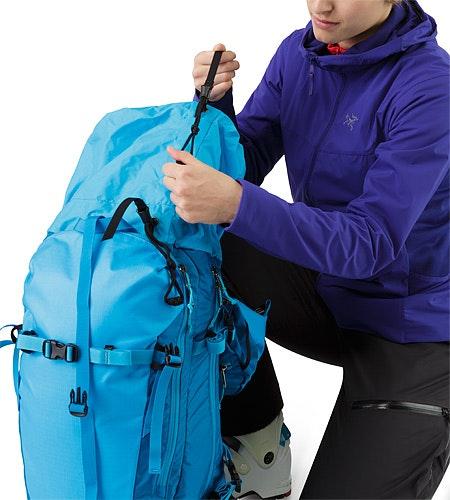 Khamski 31 Backpack Ionian Blue Erweiterbares Deckelfach