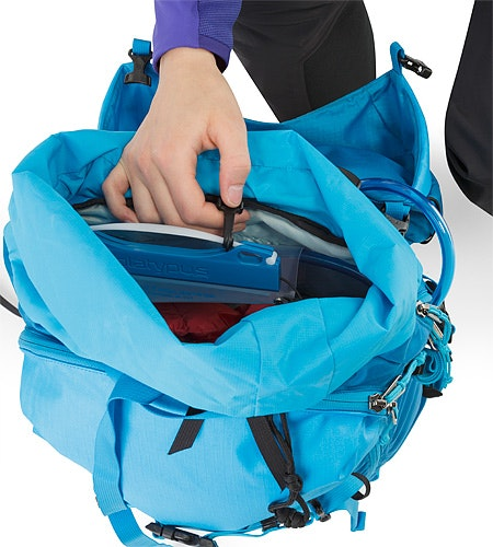Khamski 31 Backpack Ionian Blue Hydration Pocket