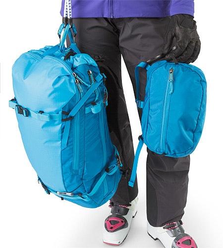 Khamski 31 Backpack Ionian Blue Abnehmbare Transportschlaufen