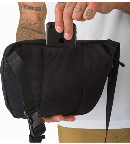 Maka 2 Waistpack Black Back Slip Pocket