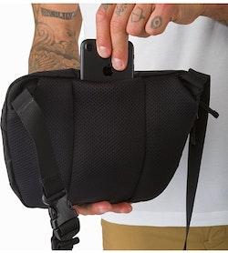 マカ 2 ウエストパック ブラック 背面スリップポケット
