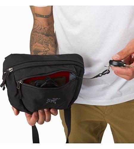 マカ 2 ウエストパック ブラック フロントポケット