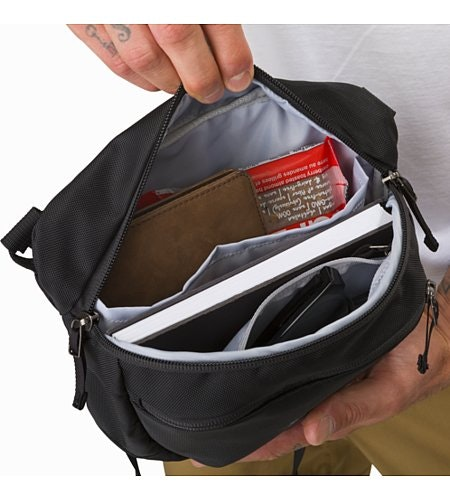 Maka 2 Hüfttasche Black Hauptfach