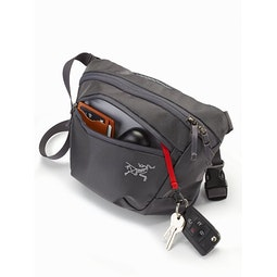 Mantis 2 Waistpack Pilot Front Pocket