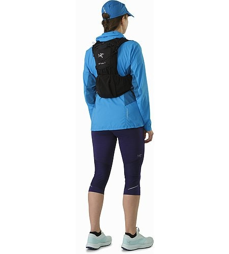 Norvan 7 Hydration Vest Black Back View