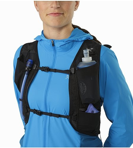 Norvan 7 Hydration Vest Black Mesh Pockets