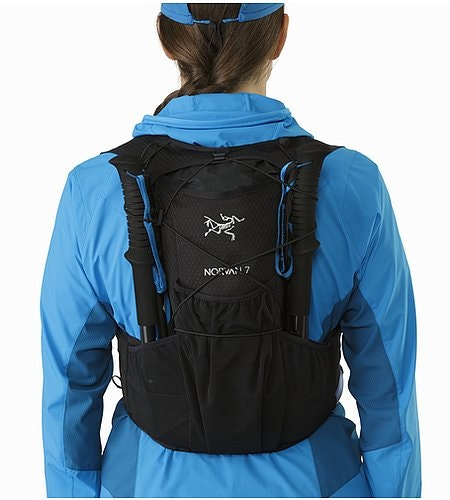 Norvan 7 Hydration Vest Black Pole Carry Pockets