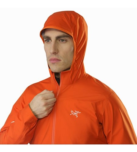 Norvan Jacket Flare Hood Up