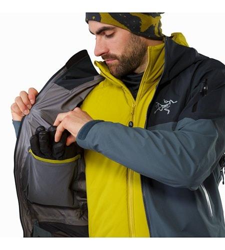 Rush Jacket Mintaka Innenliegende Stautasche