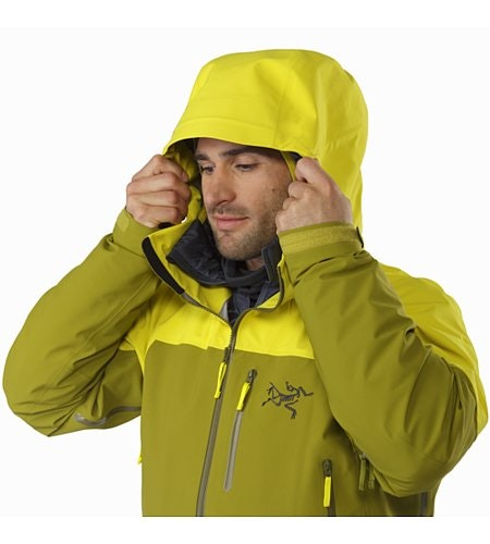 Sabre LT Jacket Serpentine Hood Up