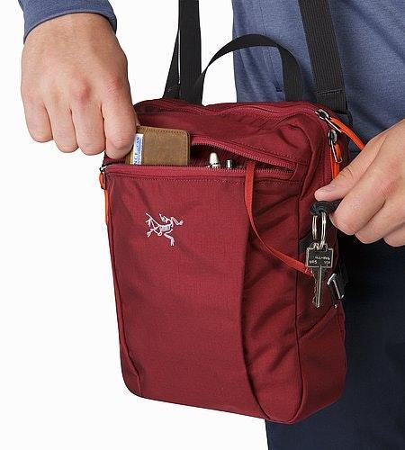 Slingblade 4 Shoulder Bag Aramon Front Zip Pocket