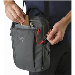 Slingblade 4 Shoulder Bag Pilot Front Zip Pocket