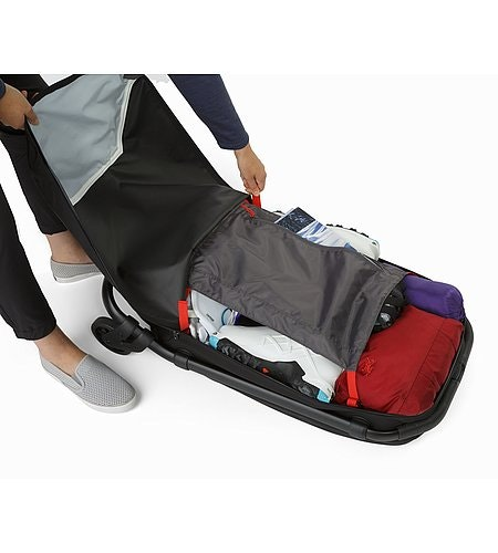 V80 Rolling Duffle Black Open View Compression Panel