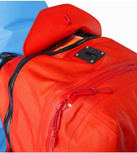 Voltair 20 Backpack Cayenne Top Zipper