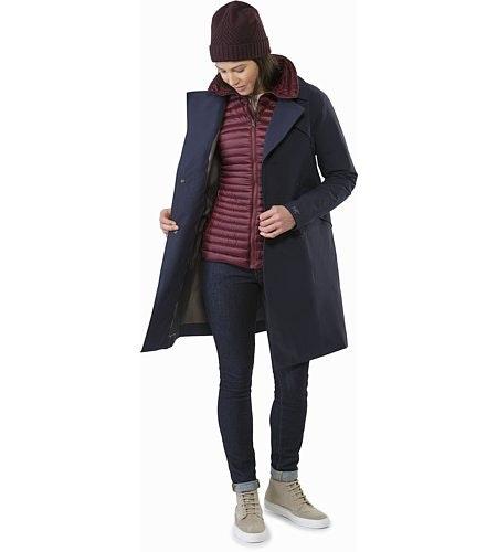 Yerba Coat Women's Crimson Outfit